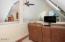 8385 NE Ridgecrest Ct, Otis, OR 97368 - Loft #1 - View 2 (1280x850)