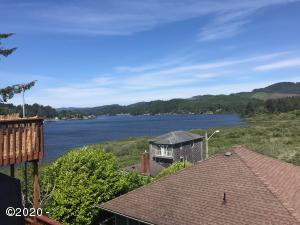 204 SE Surf Avenue, Lincoln City, OR 97367 - 204 View of Lake