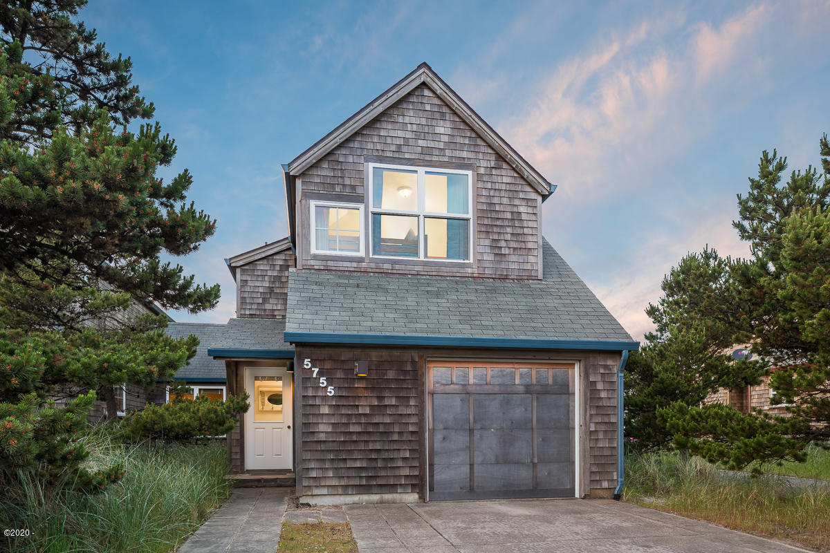 5755 Barefoot Ln, Pacific City, OR 97135 - Front