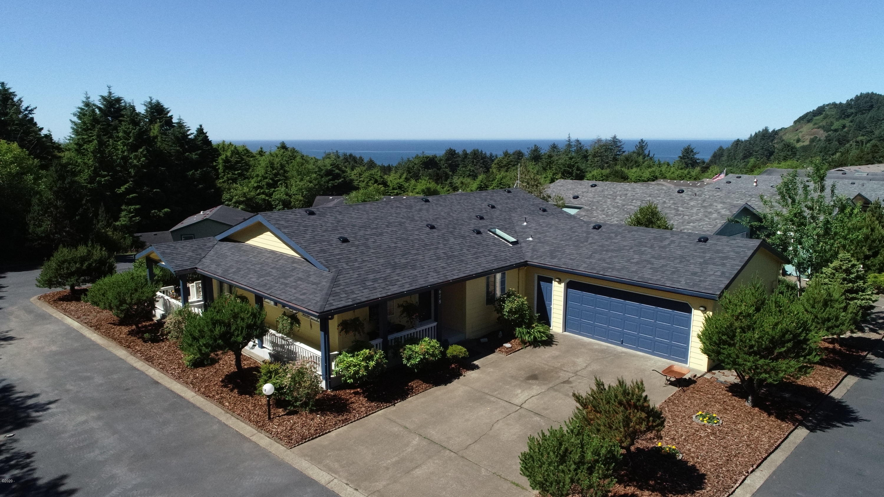 678 NE 55th St, Newport, OR 97365
