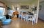 926 NE Eads St, Newport, OR 97365 - Dining