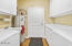 538 Fairway Dr, Gleneden Beach, OR 97388 - Laundry Room