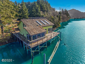 182 Siletz Hwy, Lincoln City, OR 97367 - Home on water