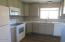 650 NW 9th St, Newport, OR 97365 - Kitchen