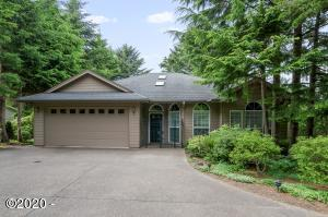 538 Fairway Dr, Gleneden Beach, OR 97388 - Home Front