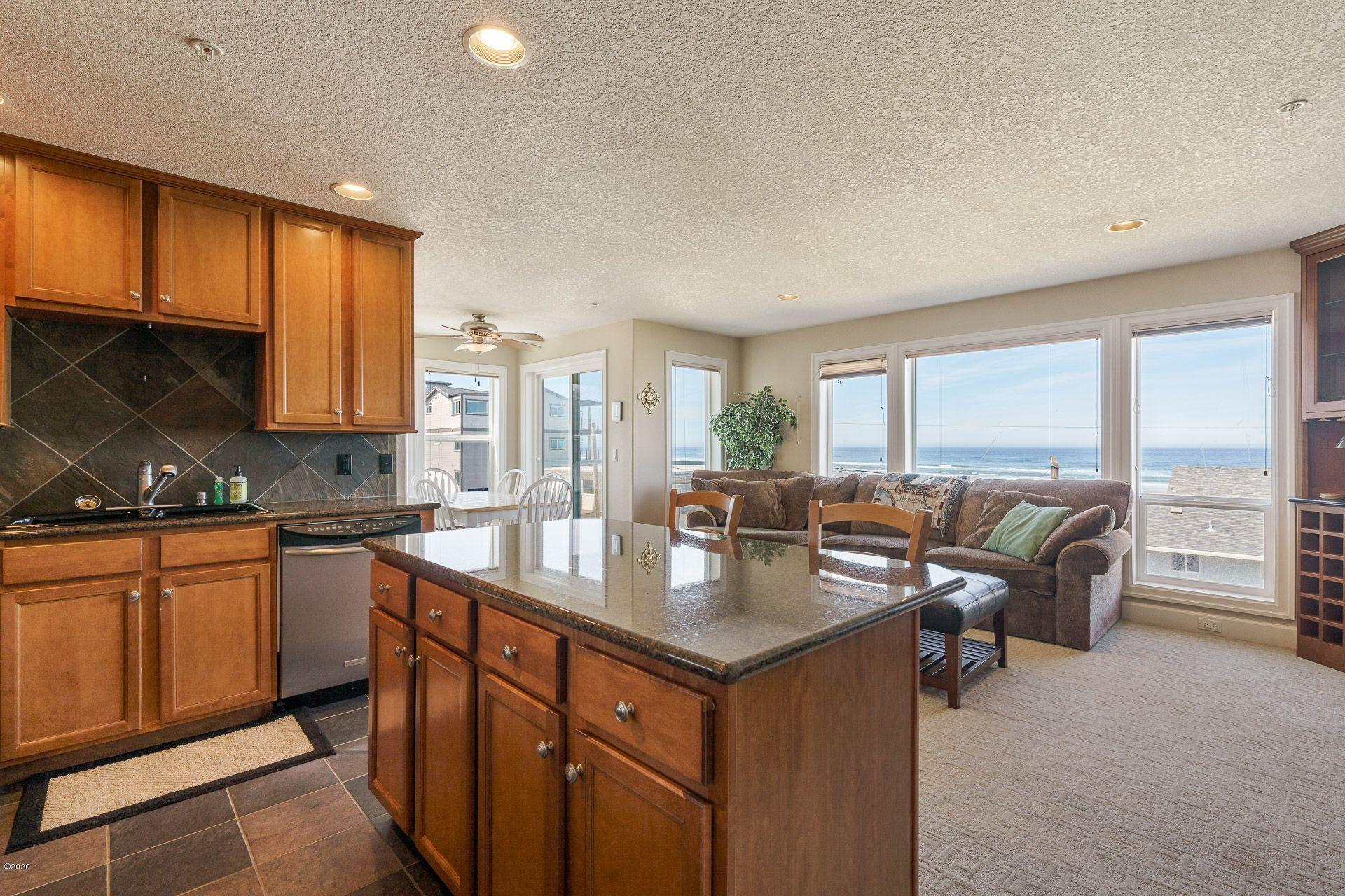 300 N Pacific Street, #41, Rockaway Beach, OR 97136 - Kitchen with a view