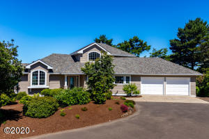 3814 NW Shore View Dr, Waldport, OR 97394 - Front of Home