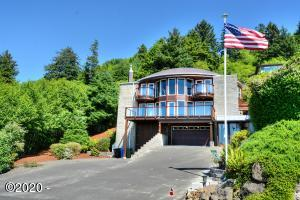 1010 Hanley Dr, Yachats, OR 97498 - Front Of The Home