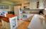 334 NE San-bay-o Circle, Newport, OR 97365 - Kitchen