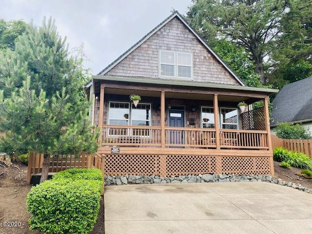 2102 NW 33rd St, Lincoln City, OR 97367 - Craftsman Style