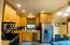 2102 NW 33rd St, Lincoln City, OR 97367 - Light and Bright Kitchen