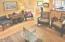 325 NW Coast St, G, Newport, OR 97365 - Living Room - Copy