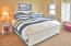 325 NW Coast St, G, Newport, OR 97365 - Master Bedroom - Copy