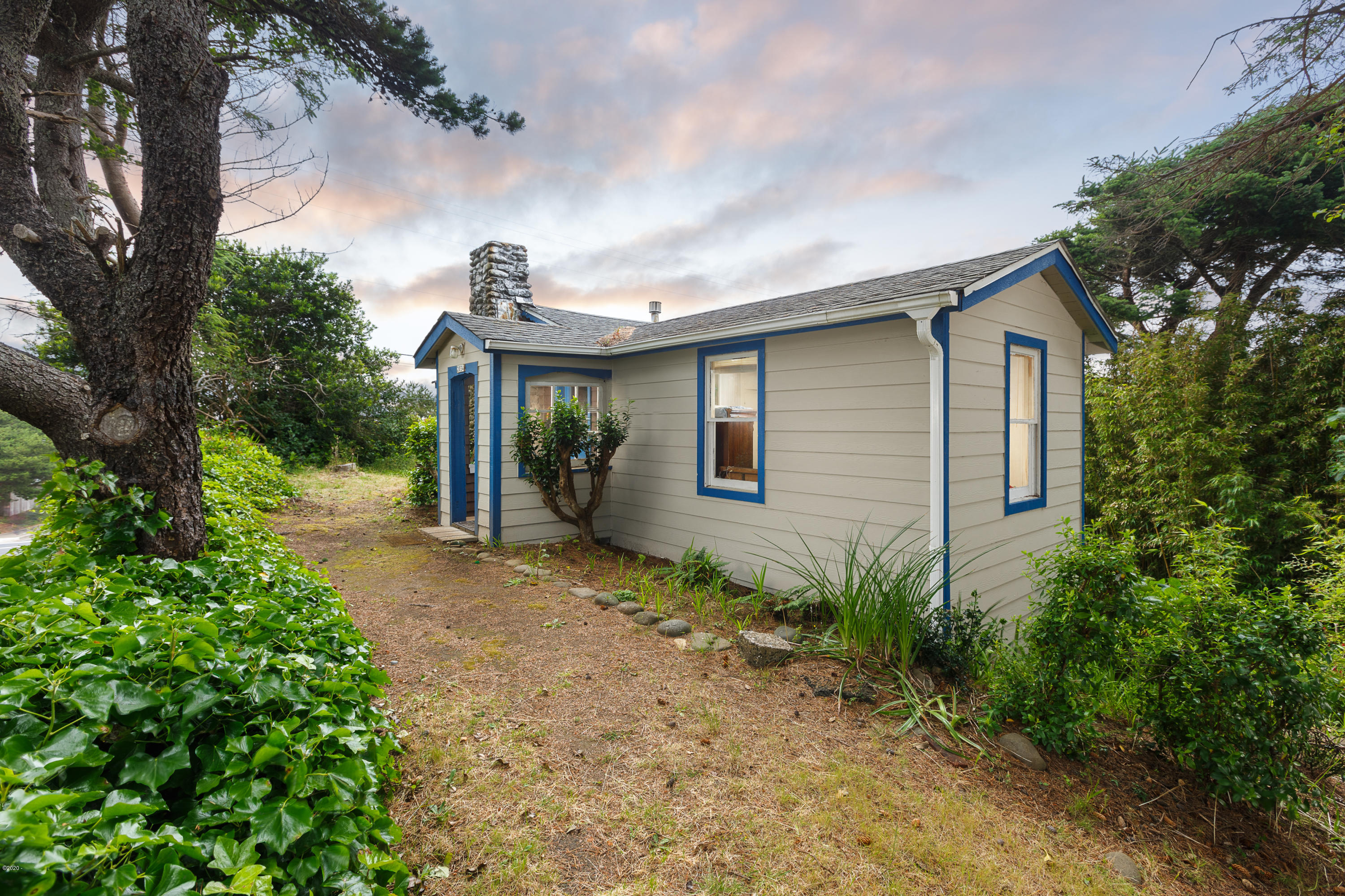 2034 NW Keel Ave, Lincoln City, OR 97367-3843 - Exterior