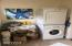 3258 SW Beach Ave, Lincoln City, OR 97367 - Laundry Room
