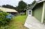 435 SE Inlet Ave, Lincoln City, OR 97367 - front entry walk