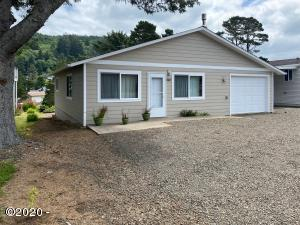 440 NW Siletz Ave, Depoe Bay, OR 97341 - 3 bedrm/1.5 Bath