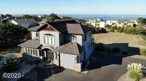 5389 NW Logan Rd, Lincoln City, OR 97367 - home