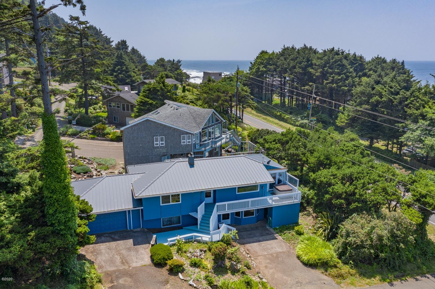 22 Crestview Dr, Yachats, OR 97498