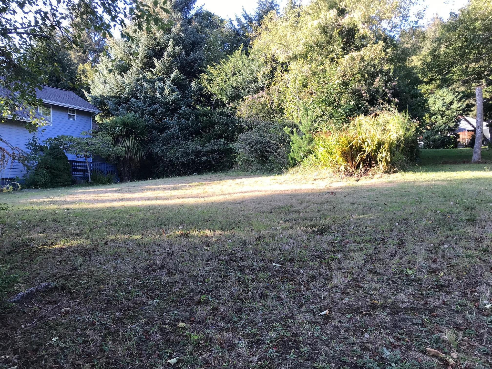 235 Jennifer Dr, Yachats, OR 97498 - Gently Sloping buildable Lot