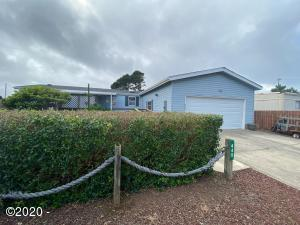 445 NW Siletz Ave, Depoe Bay, OR 97341 - Front View