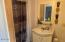 445 NW Siletz Ave, Depoe Bay, OR 97341 - Bonus Room bathroom 2