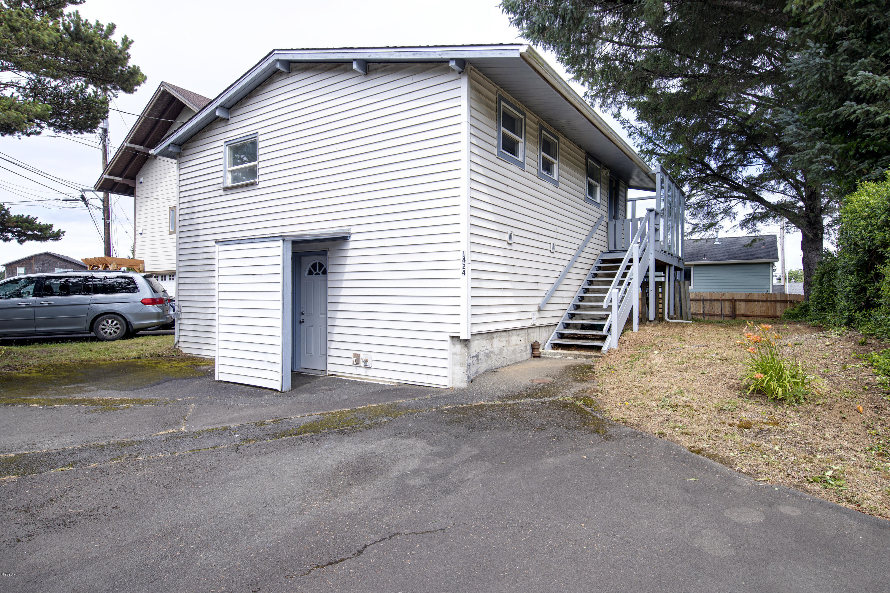 1424 S.E. 3rd St., Lincoln City, OR 97367 - Front