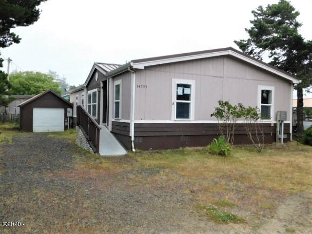 34555 Cape Kiwanda Dr, Pacific City, OR 97135 - front and side
