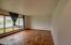 1921 NE Crestview Ct, Newport, OR 97365 - living room