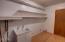 1921 NE Crestview Ct, Newport, OR 97365 - laundry room