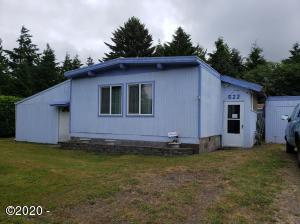 522 SE Reef Ave, Lincoln City, OR 97367 - front of home
