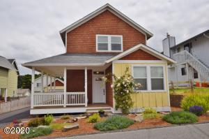 2144 NW Jetty Ave, Lincoln City, OR 97367 - Front