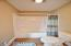 2144 NW Jetty Ave, Lincoln City, OR 97367 - Master bath