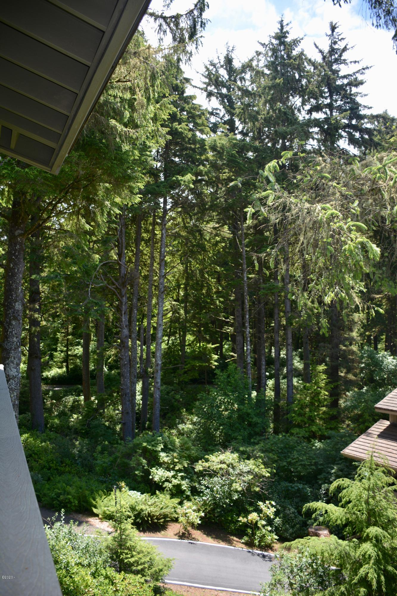 301 Otter Crest Dr, #304-305, 1/4th Share, Otter Rock, OR 97369