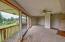 1506 NE Yaquina Heights Dr, Newport, OR 97365 - living rm