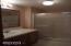 285 Seagrove Lp, Lincoln City, OR 97367 - Primary Suite bath