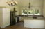 320 SE 119th St, South Beach, OR 97366 - Kitchen