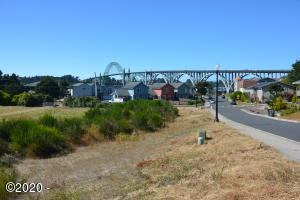 2728 SW Brant St, Newport, OR 97365