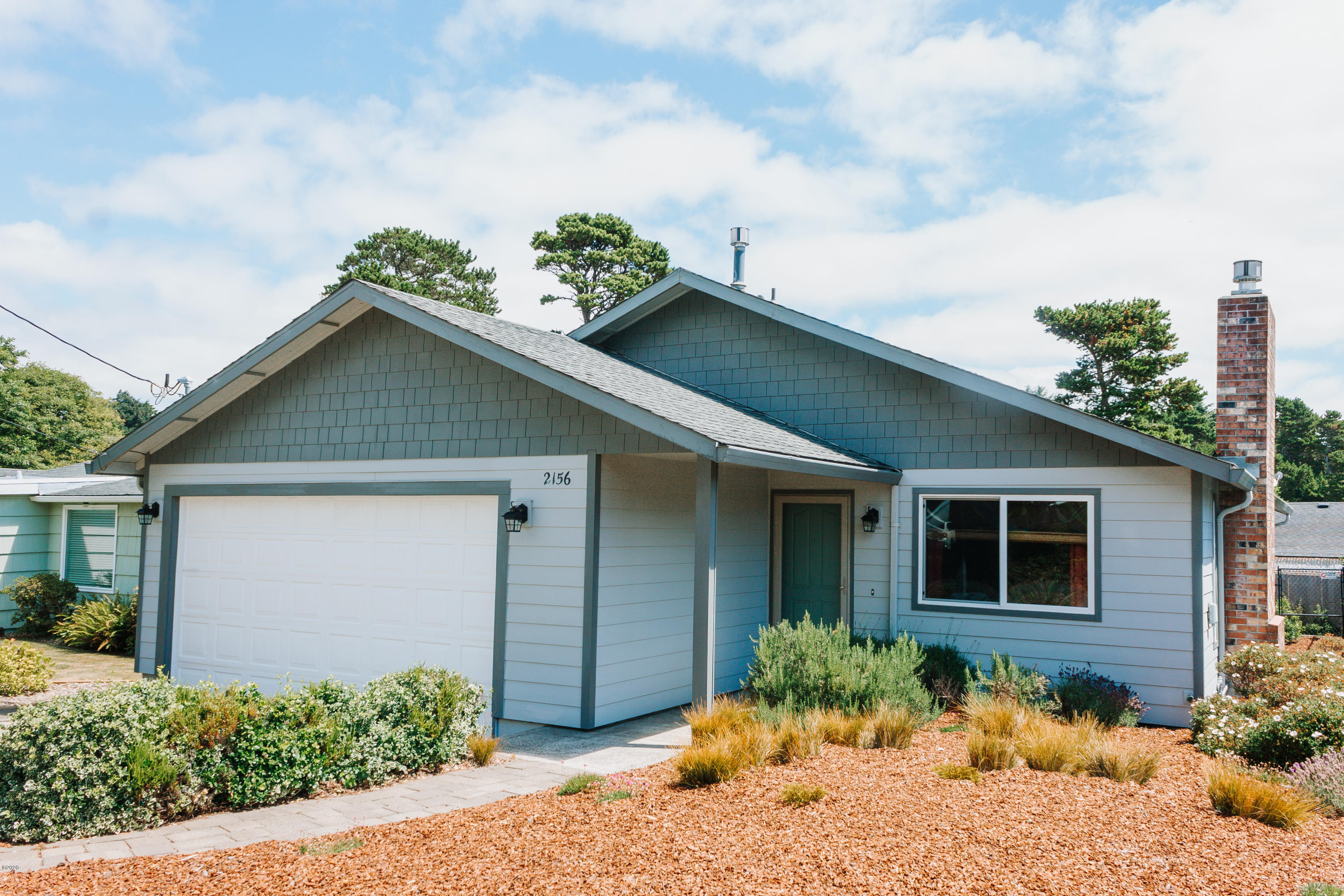 2156 NW Jetty Ave, Lincoln City, OR 97367 - Front