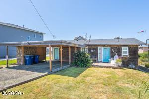 6421 NE Mast Ave., Lincoln City, OR 97367 - Curbside