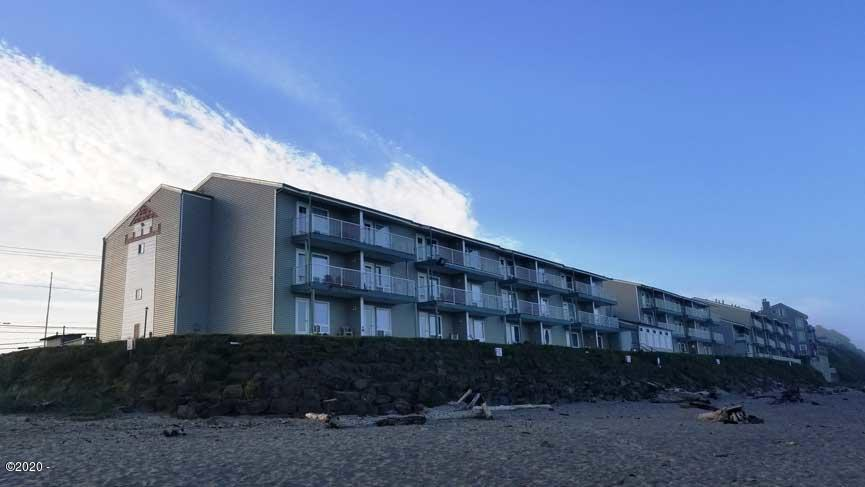 171 SW Highway 101, 105, Lincoln City, OR 97367 - beach view
