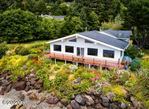 516 Bayview Ter, Yachats, OR 97498 - West Side