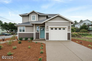 2990 NW Lee Ave., Lincoln City, OR 97367 - Curbside