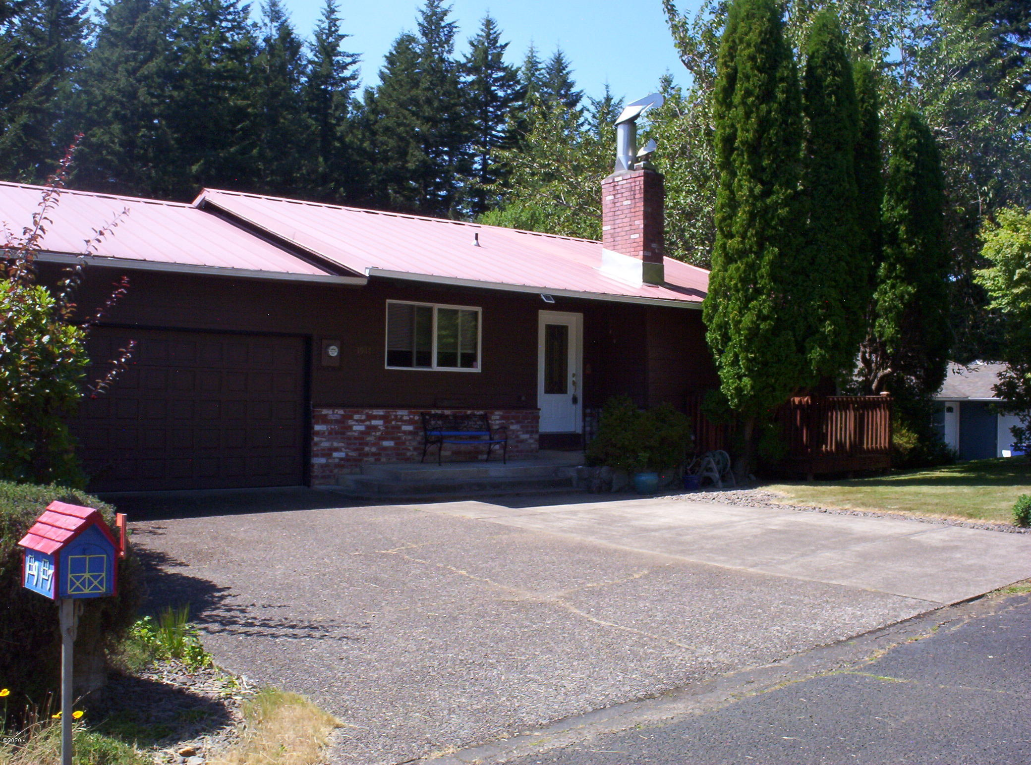 1917 SE Emerald Ct, Toledo, OR 97391 - Front of Home