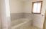 1108 Acacia Ave, Garibaldi, OR 97118 - bath 1