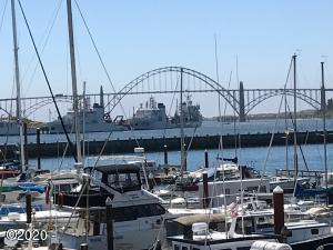 890 SE Bay Blvd, 108, Newport, OR 97365 - Deck View