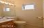 636 E Olive St, Newport, OR 97365 - Powder Room