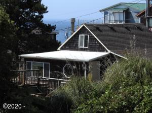 1930 NE 69th St., Lincoln City, OR 97367 - Roads End Cottage