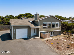 5460 El Mundo Ave, Lincoln City, OR 97367 - Front exterior