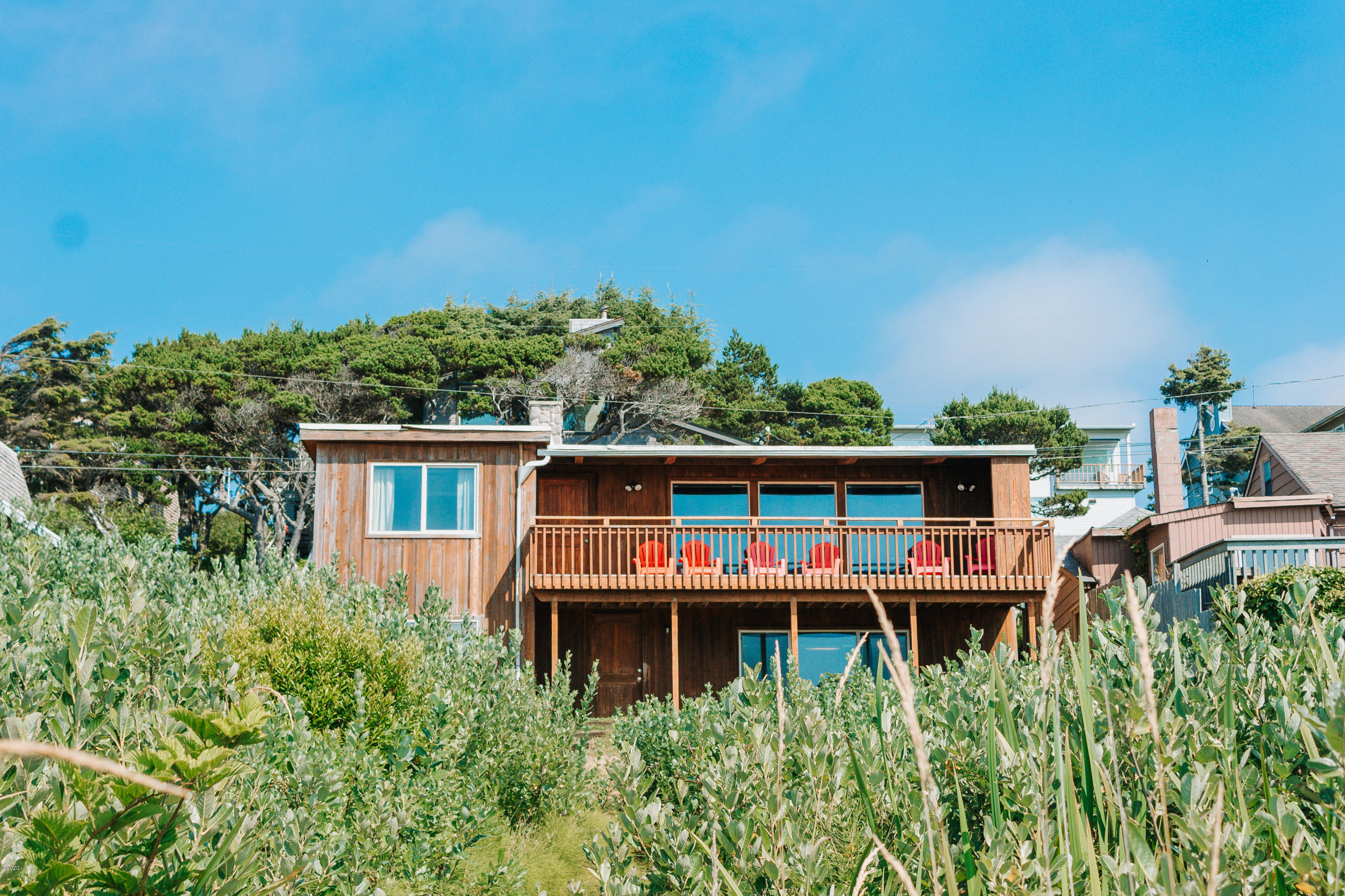 3935 Lincoln Ave, Depoe Bay, OR 97341